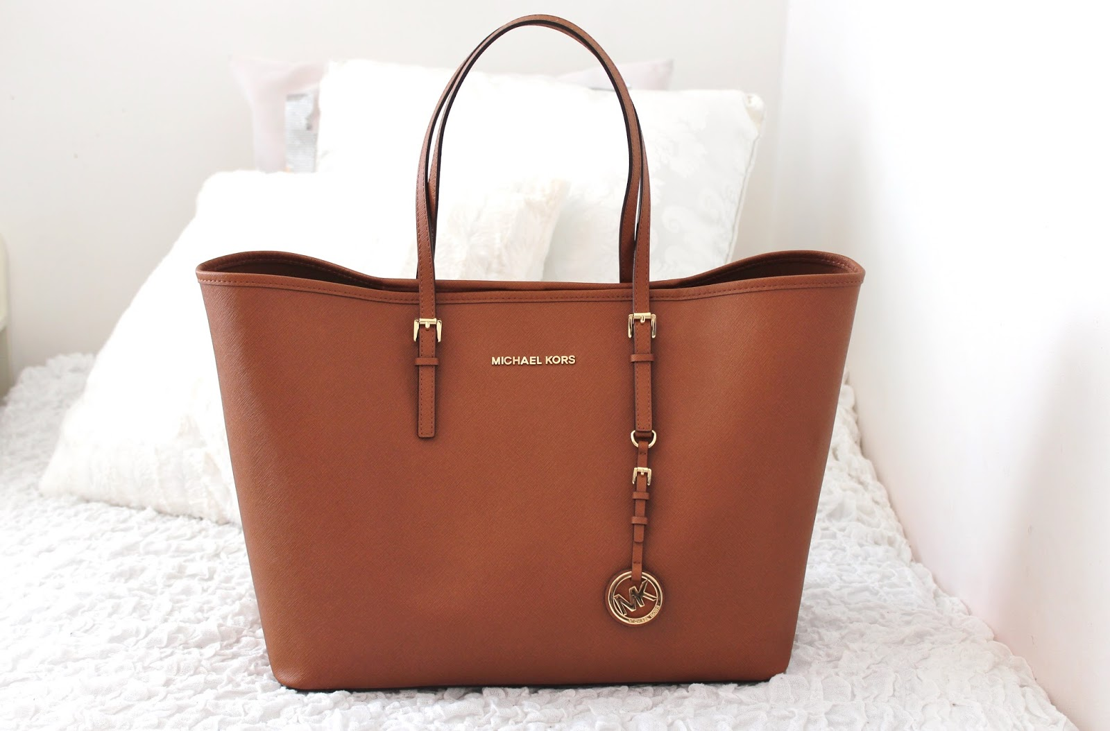 Mk Laukku Ruskea : Emmi s wardrobe michael kors medium jet set travel tote