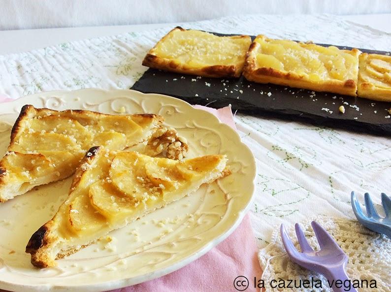 Tartaletas veganas de hojaldre con crema pastelera y manzana