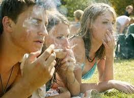 Nebrija en Cuarto: Redactar una noticia :Consumo de tabaco en adolescentes.