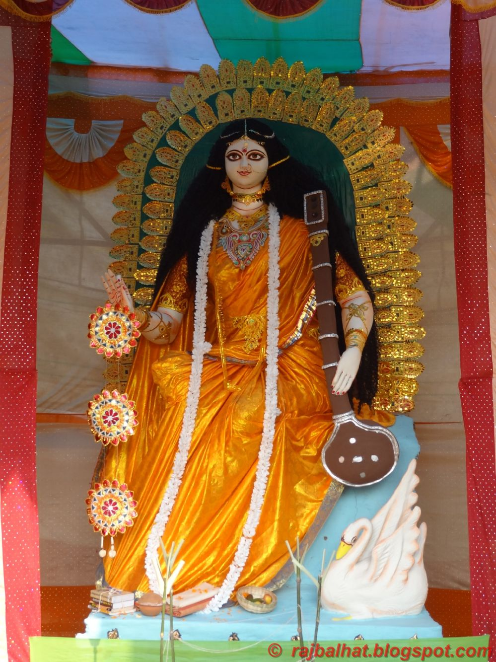 saraswati puja Call it vasant panchami, saraswati puja or basant panchami, the day when arrives, revives the childhood memories know saraswati pooja vidhi and mantra here.
