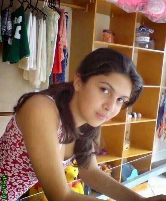 Desi Beautiful Indian Hot Muslim Girls Bold HD Pictures