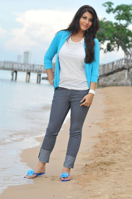 sarah sharma latest photos
