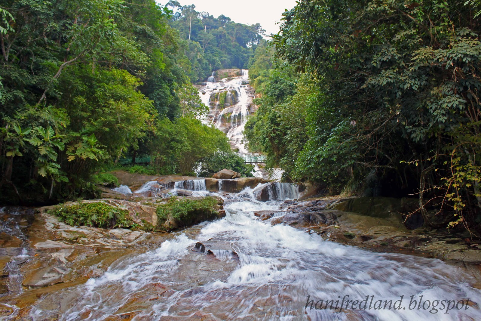 Hanif Redland Lata Kinjang Waterfalls 850 Meters