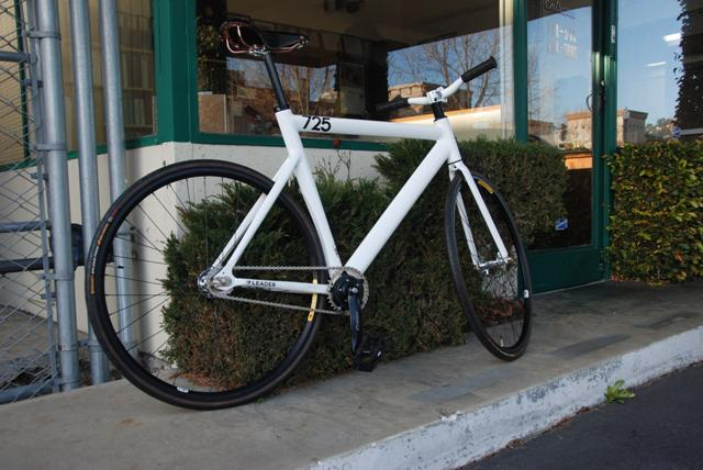 The Monkey Lab Schlumpf Equipped Leader 725 Two Speed Fixie
