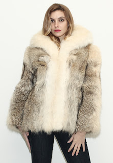 Vintage 1970's ivory marbled colored fluffy coyote fur coat