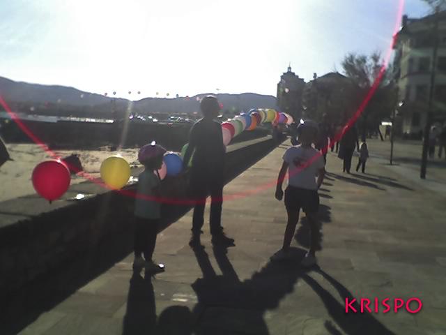 globos de colores en hondarribia