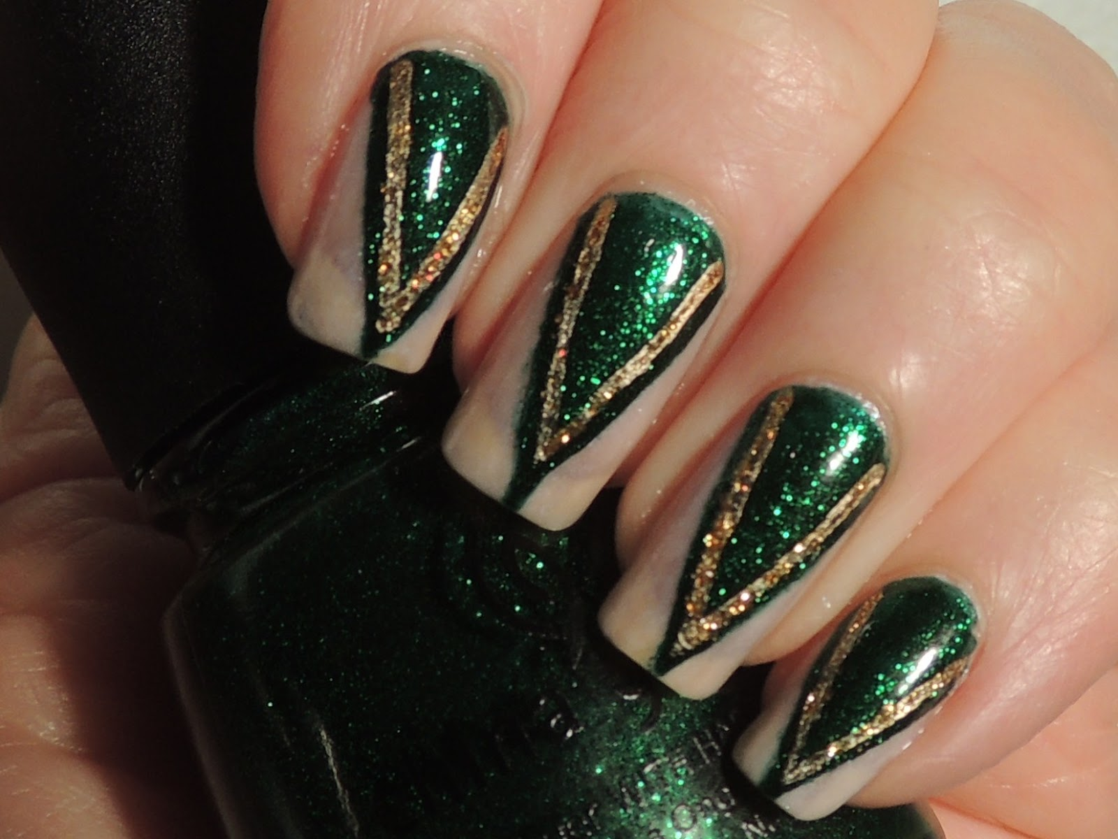 Oz the Great and Powerful - Evanora s NailsEvanora Nails