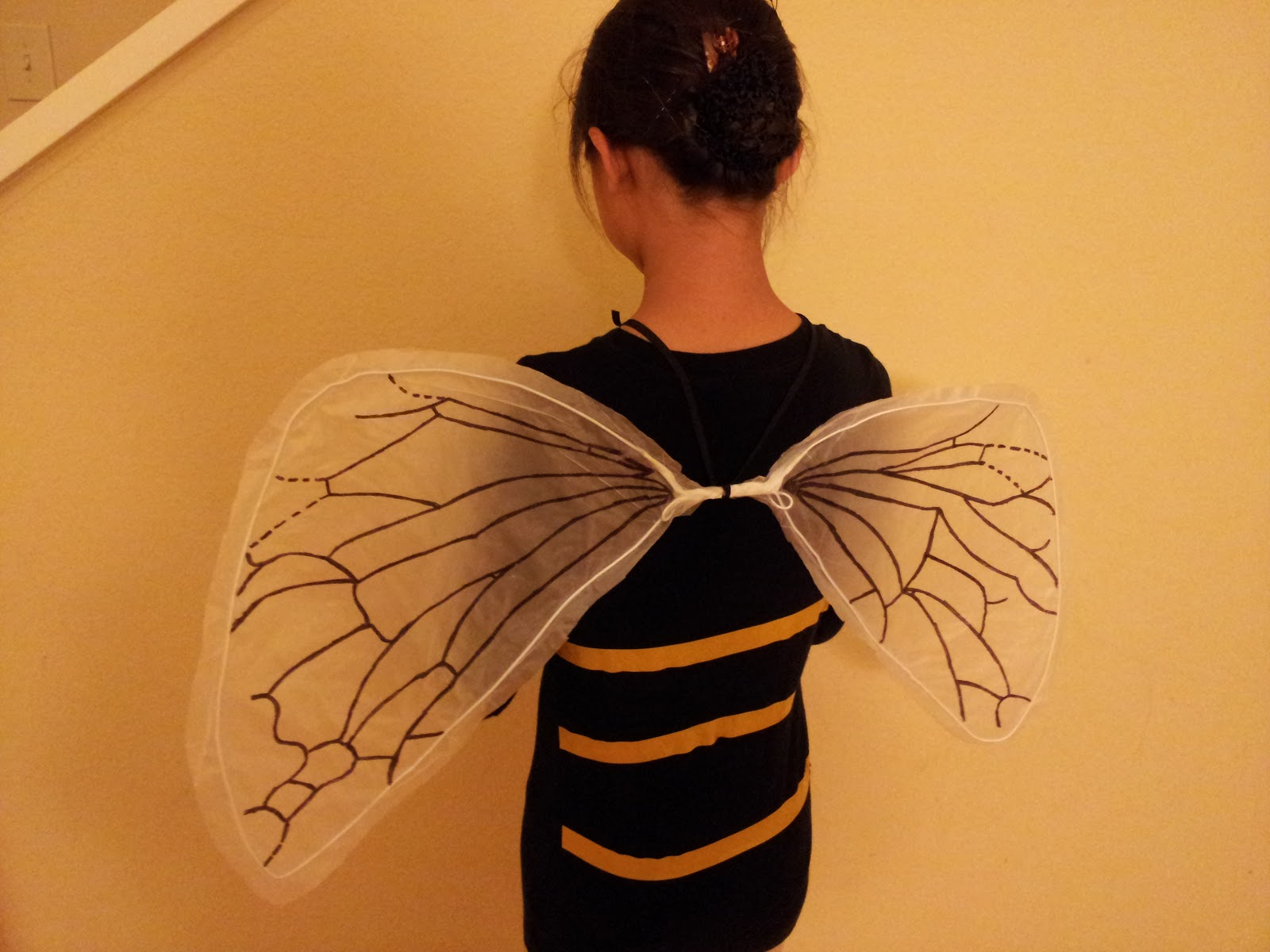 DIY Costume Wings & the nifty nest: DIY Costume Wings