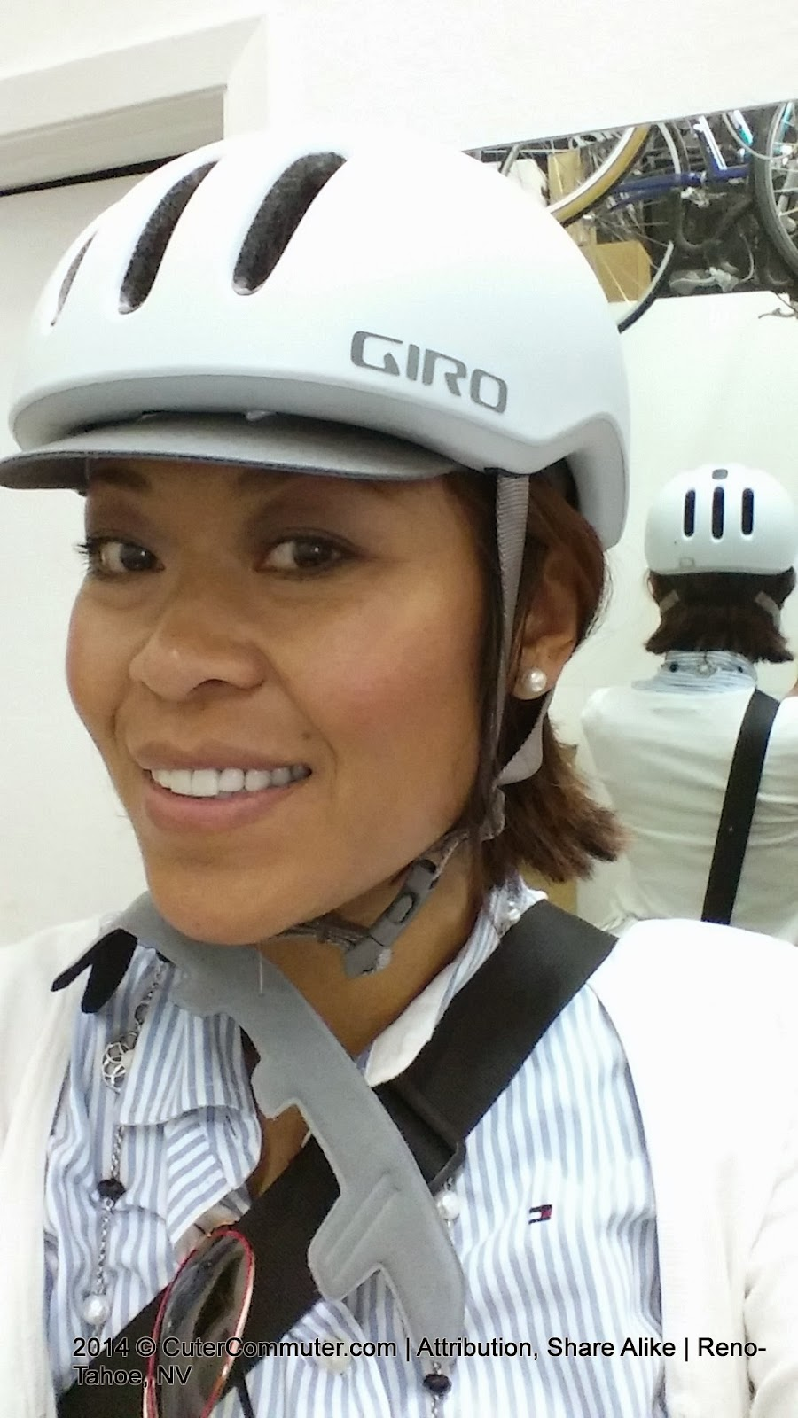 Giro Reverb Bicycle Commuter Helmet in Matte White Grid