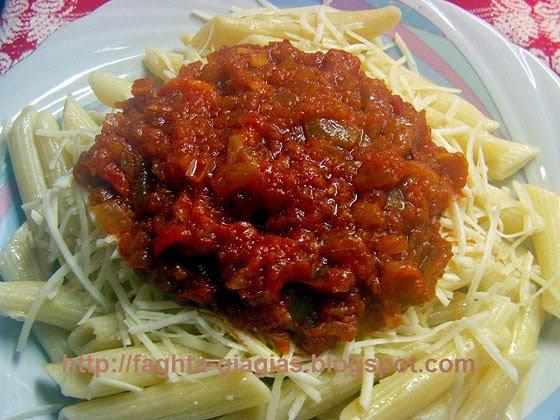 Πένες με σάλτσα ντομάτας και πιπεριές - Τα φαγητά της γιαγιάς