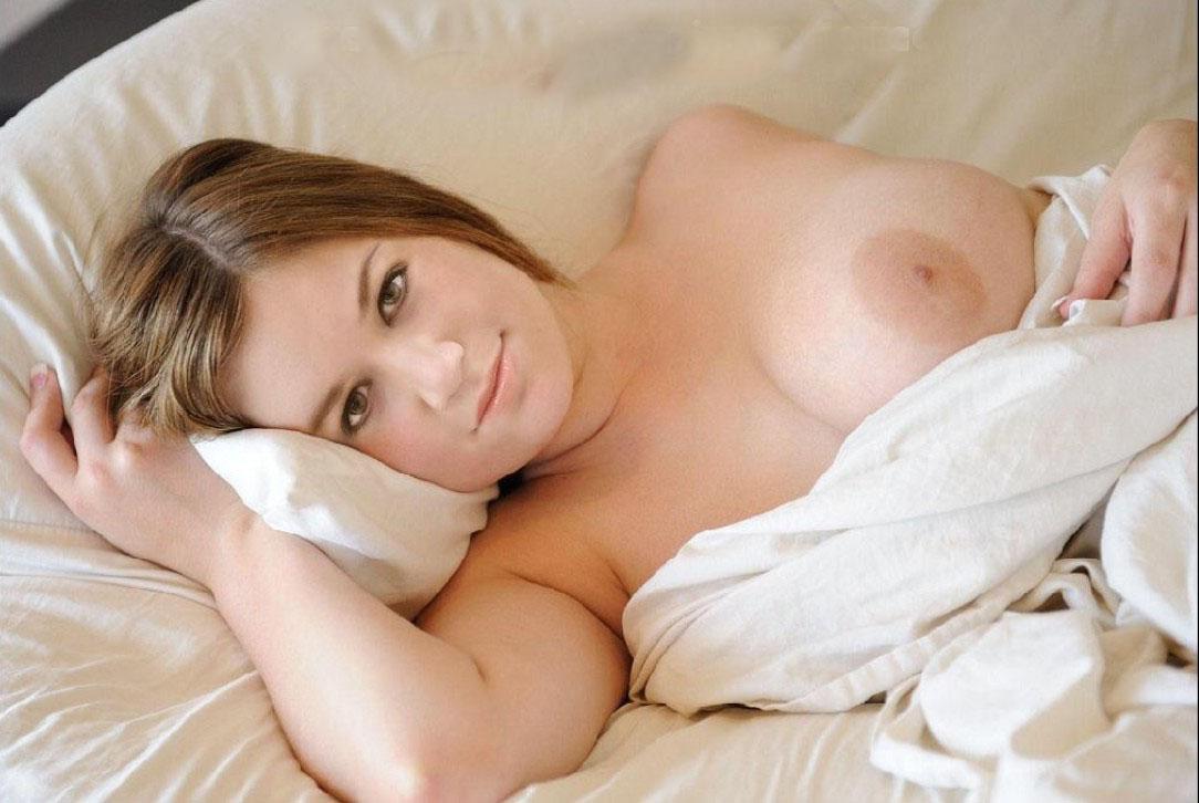Kelly Clarkson Nude