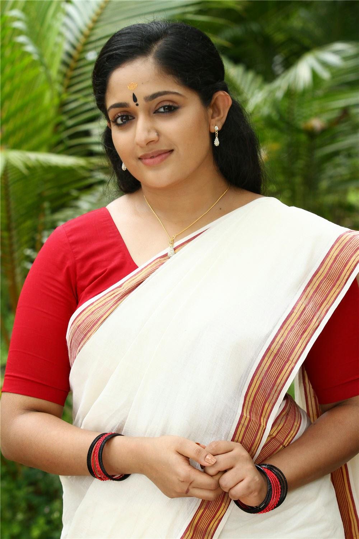 Kavya in sari