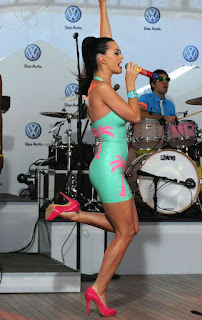 他妈的女士 - sexygirl-Katy_Perry_Tight_Palm_Tree_Dress_30781katyperryperformsa-751611.jpg
