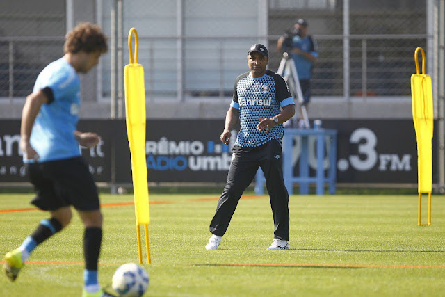 Roger Machado quer manter o nível de atuação para permanecer entre os líderes (foto: Lucas Uebel/Grêmio FBPA)