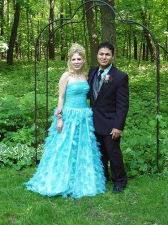 Prepare Wedding Dresses Choose a Tiffany Blue Wedding Theme