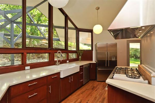 Braxton and yancey mid century modern kitchens for Kitchen designs without windows