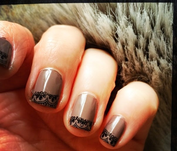 Taupe and Lace, Nail Art, The Graffitied Gardenia blog