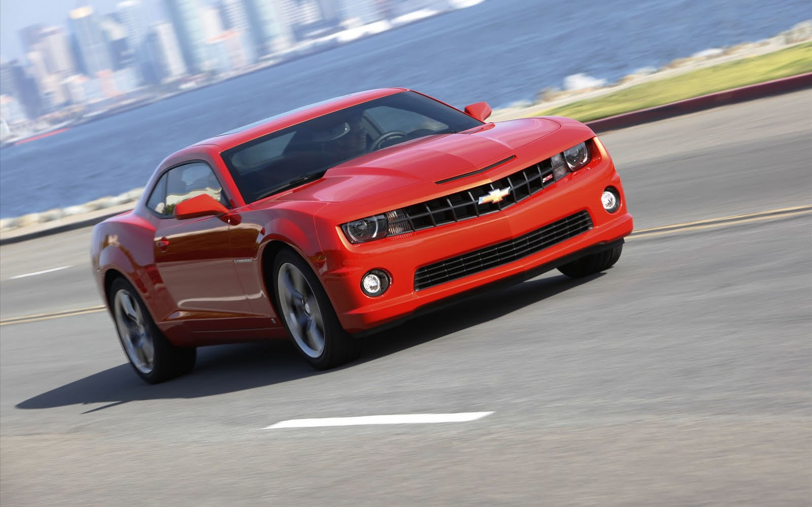 http://4.bp.blogspot.com/-WXlGje6LCG8/Tm9zBF5pSiI/AAAAAAAAI5o/5PcJOY6zwjk/s1600/2010-Chevrolet-Camaro-SS-widescreen-22%255B1%255D.jpg