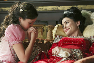 Review Once Upon A Time 2x15. The Queen Is Dead