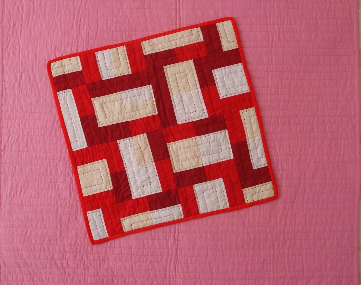 Бяло-червен пачуърк мъник