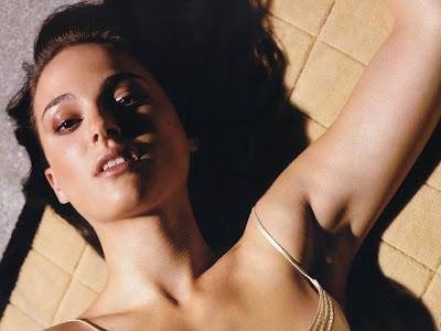 Natalie Portman Latest Smile Wallpaper