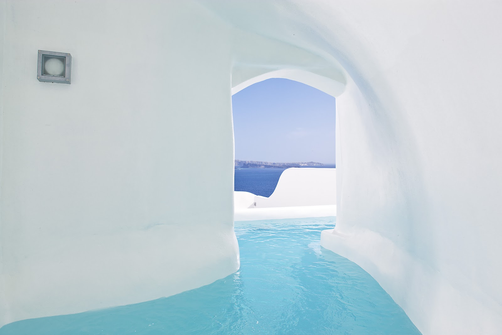 Passion for luxury canaves oia santorini for Hotels santorin