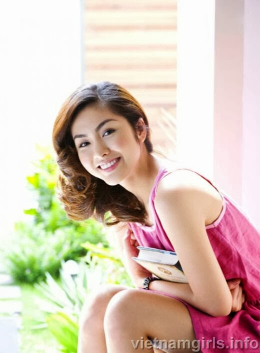 Enjoy the charming look of Tang Thanh Ha via 10 best photos