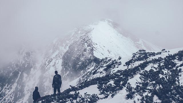 Izcacus peak