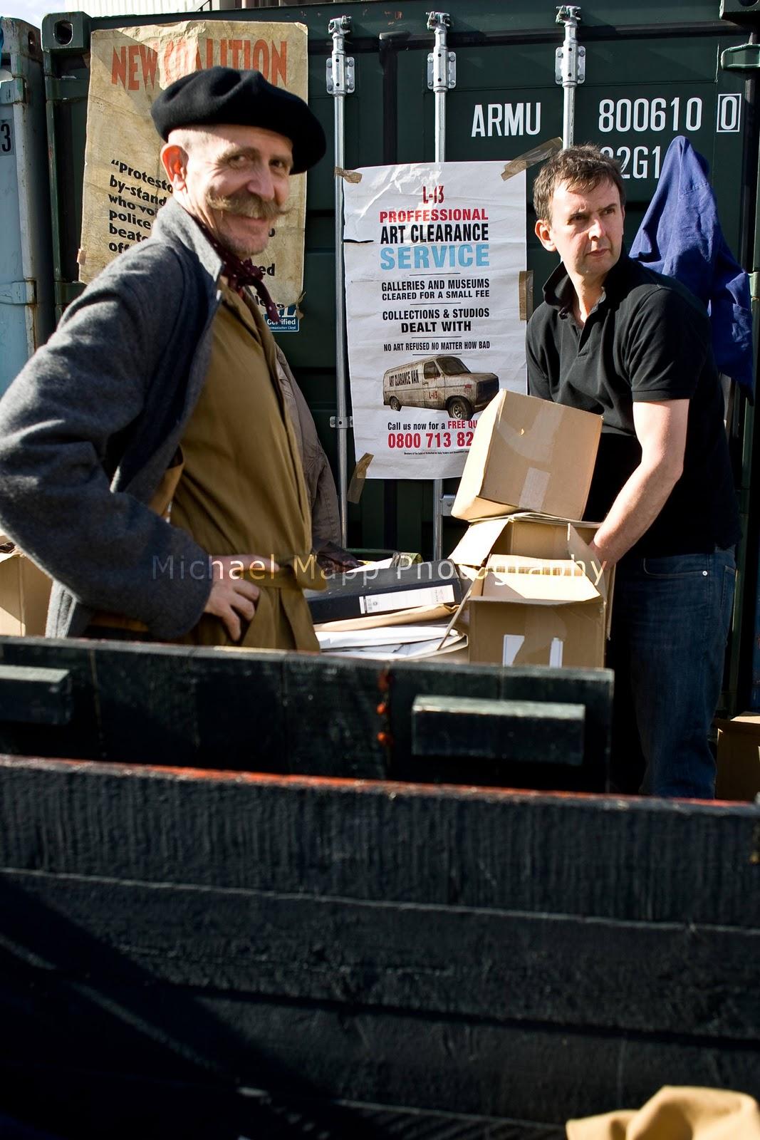http://4.bp.blogspot.com/-WYSc5ZdXHHQ/TxYO6IjOvcI/AAAAAAAAA4A/2BjFhnlzbPY/s1600/Vauxhall-Arts-Car-Boot-Sale-197.jpg