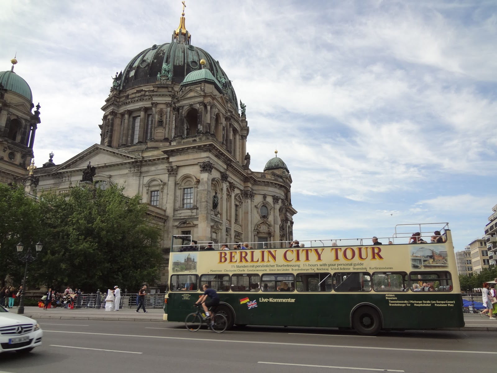 busses to berlin