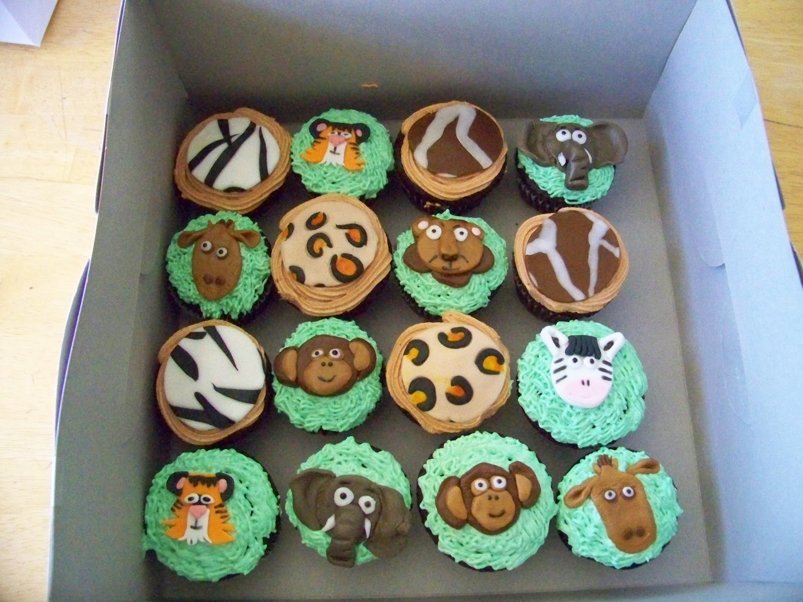 Jungle Themed Baby Shower Cupcakes
