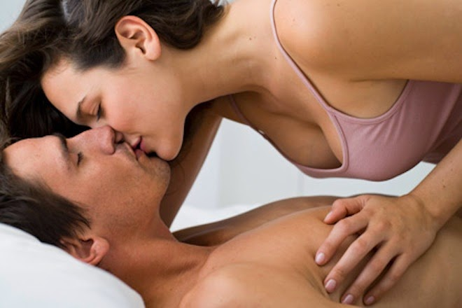 10 Best Kissing SMS Messages To Convince Boy/Girl 4 Kiss