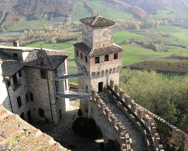 Vigoleno, Emilia-Romagna - Italy