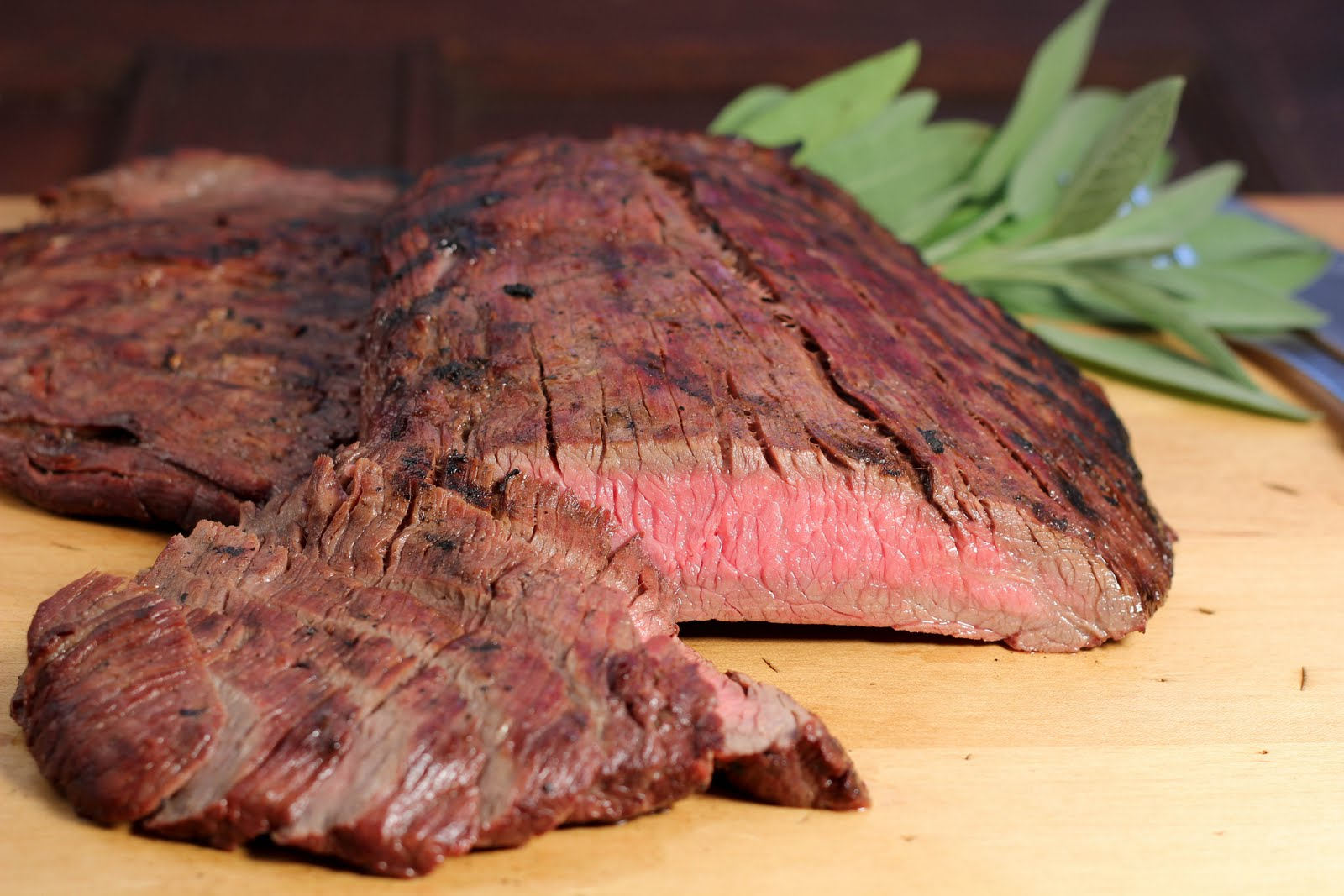 Red Wine and Soy Marinated Flank Steak - That Skinny Chick ...