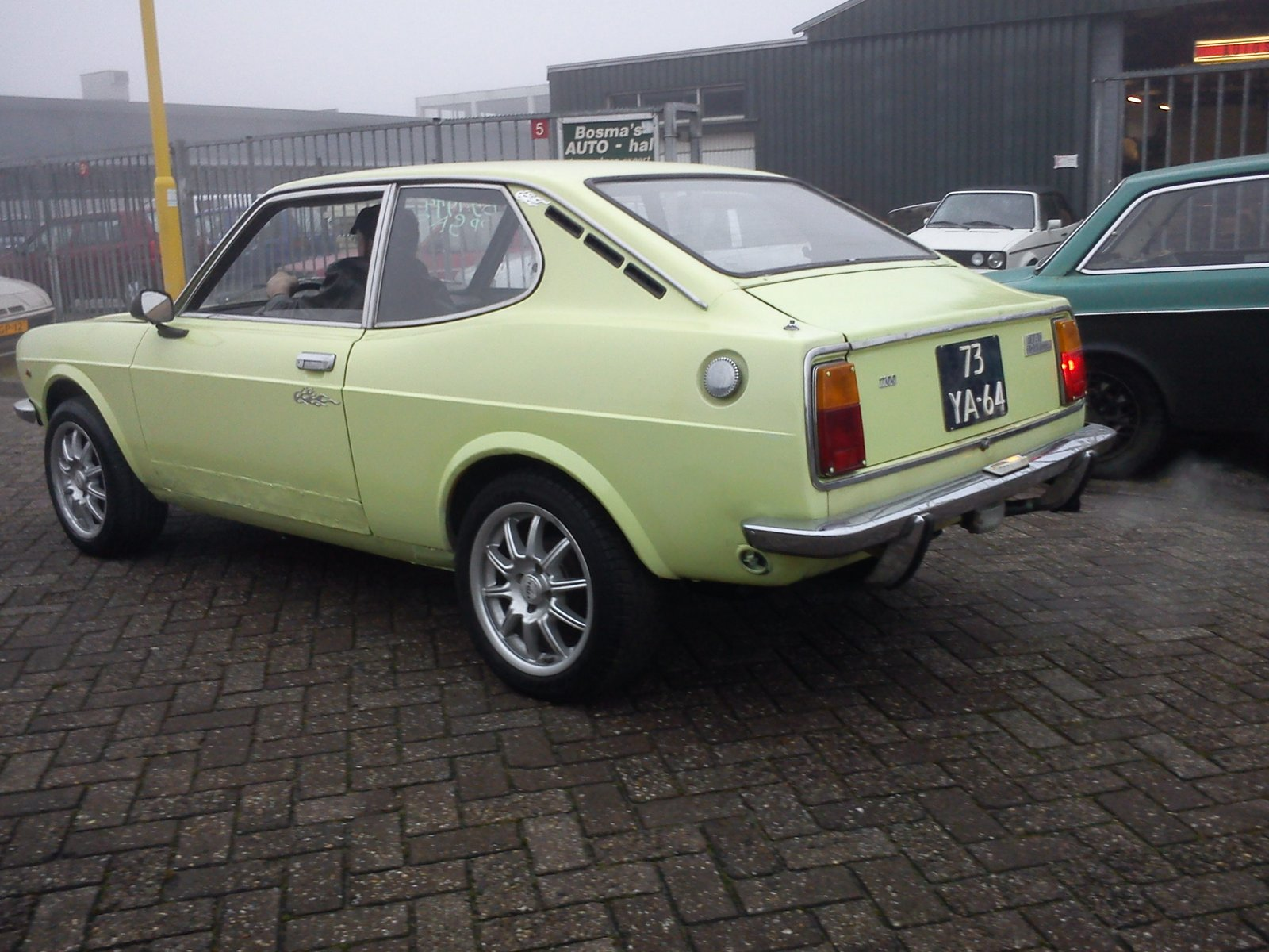 fiat 128 1974 coupe yellow partial restoration pictures of classic cars. Black Bedroom Furniture Sets. Home Design Ideas