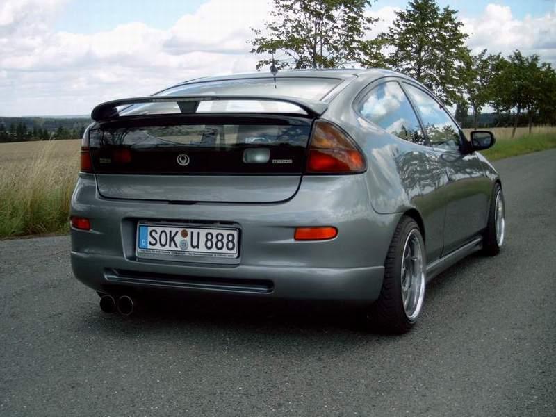 Mazda 323C BA, BH, oryginalny design, samochód z lat 90, Familia Neo, fotki, tył