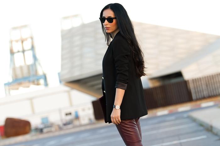 blazer-preto-HM+Calças-couro-Borgonha-justas-MUUBAA-Verona+Embreagem-couro_Python-personalizado-GIGI_New_York