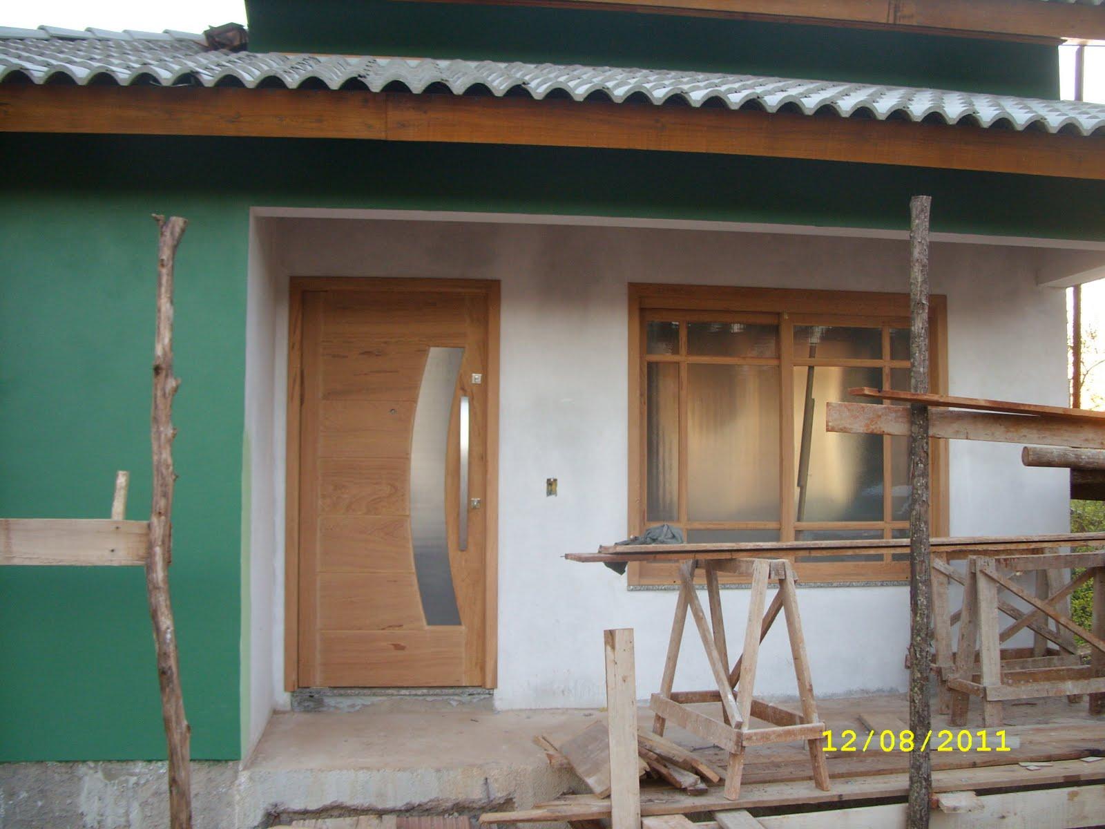 Janela do quarto dos fundos (ainda falta acabamento onde havia madeira  #664734 1600x1200 Banheiro Com Rejunte Azul