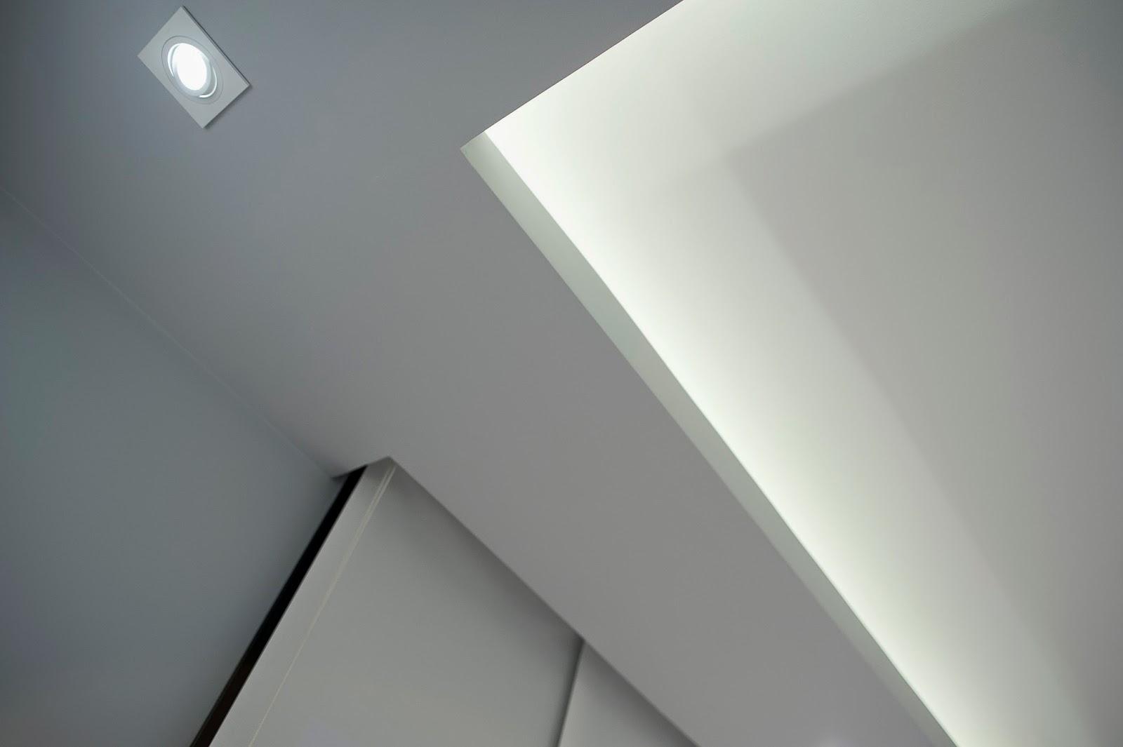 Techo e iluminación en vivienda modular de Resan