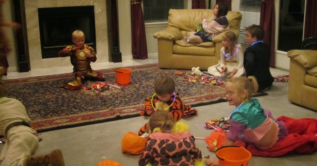 Our Life with ll Kids * **: Halloween Report