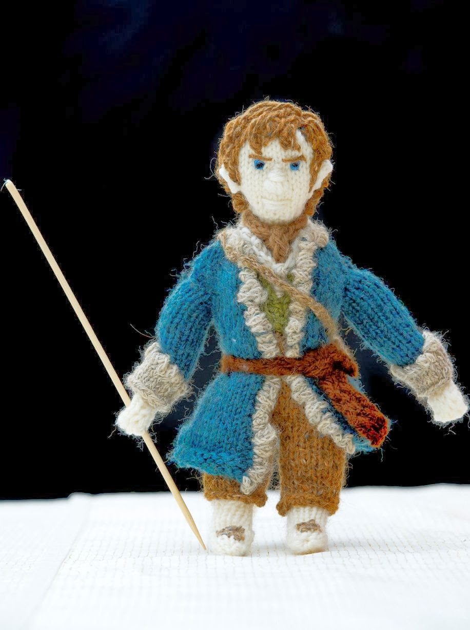 The Hobbit Movie News: Grandmothers stunning knitted models of Lord of t...