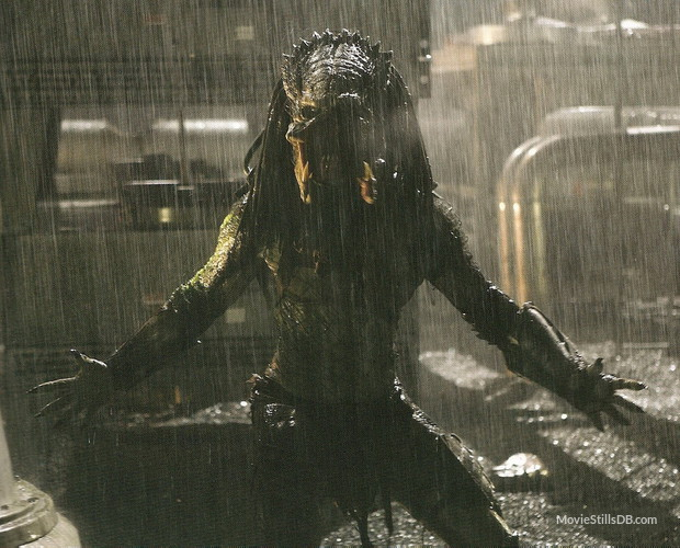 Film Guru Lad - Film Reviews: September 2015 Avp Requiem Predator