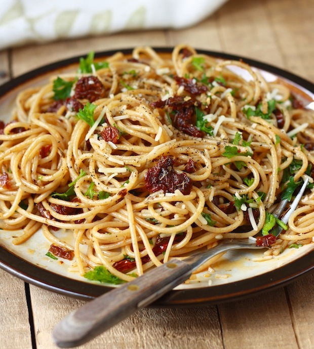 Sun-Dried Tomato Pasta with a Garlic-Herb Olive Oil Sauce by SeasonWithSpice.com