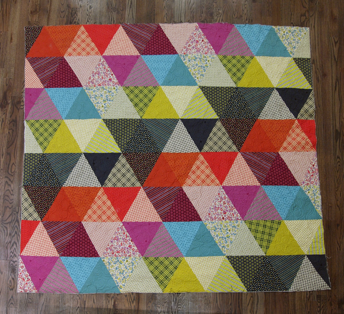 Quilting Pattern Shapes : Fancy Tiger Crafts: Pyramid Pals! Three Chicopee Quilts (+ Tutorial!)