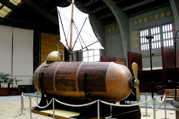Kapal selam Nautilus buatan Robert Fulton (1801). Prokimal Online Kotabumi Lampung Utara