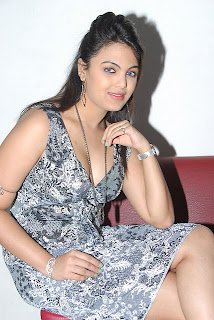 Actress Priyanka Tiwari Hot Image Latest Photo Stills.JPG
