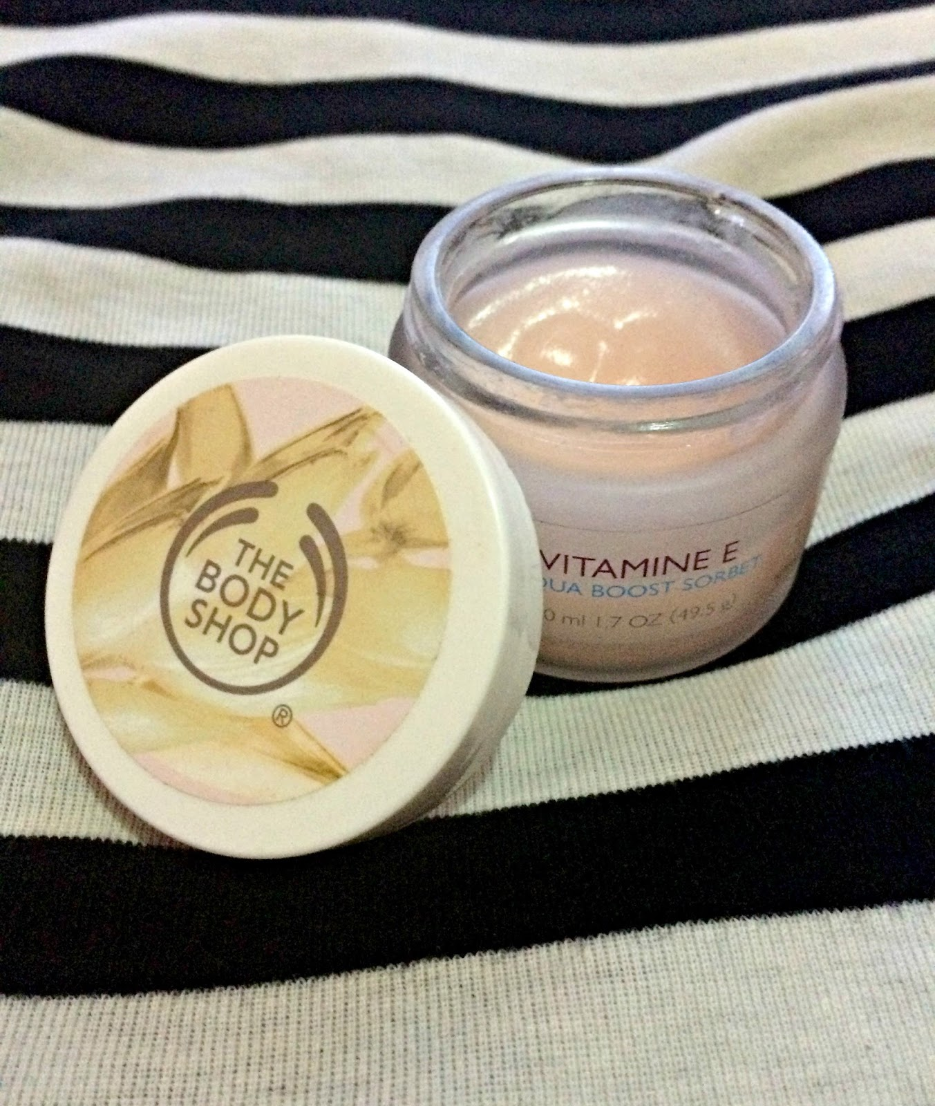 Review : Vitamin E Aqua Boost Sorbet by The Body Shop | www.bubblybeauty135.com