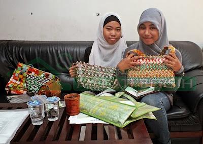 Kunjungan dari siswa SMU Dharma Karya UT Pondok Cabe