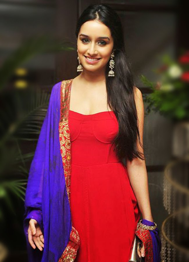 Shraddha Kapoor looks hot in red color dress
