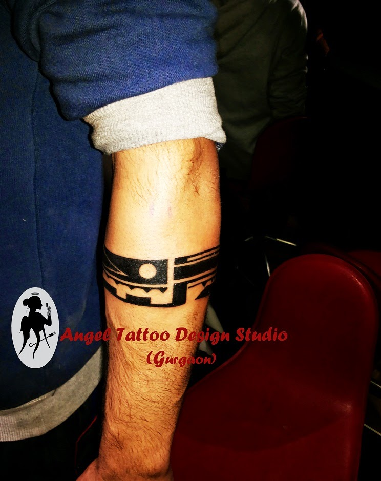 angel tattoo design studio armband tattoo designs and meanings. Black Bedroom Furniture Sets. Home Design Ideas